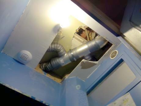 encastrement-collecteur-et-gaine-dans-faux-plafond-wc-rdc