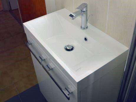 meuble-sous-vasque-suspendu-deux-portes-blanc-laque